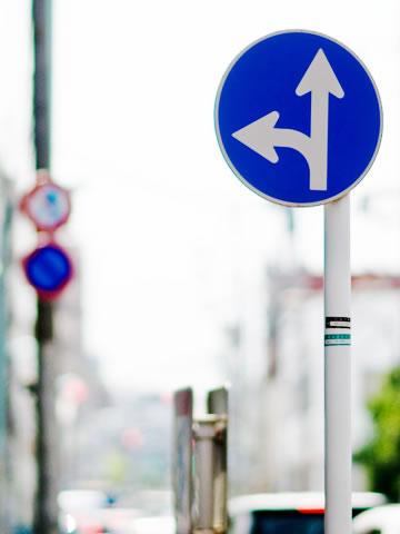 交通標識の塗装